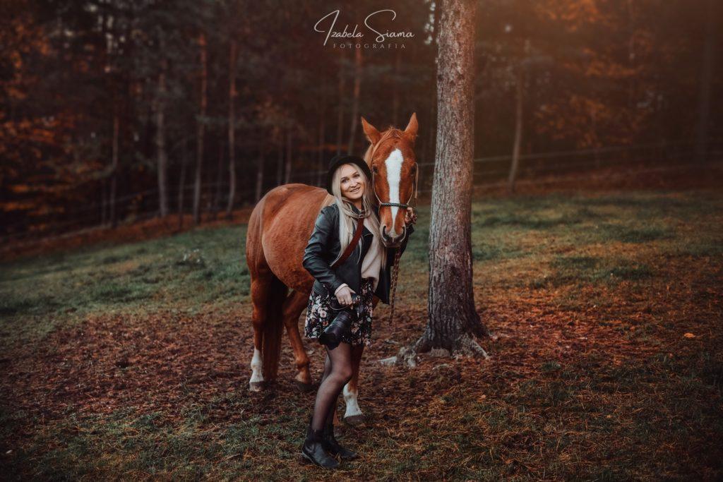 7 zasad, które musisz znać przed sesją fotograficzną z końmi czyli sesja z końmi do zaplecza.